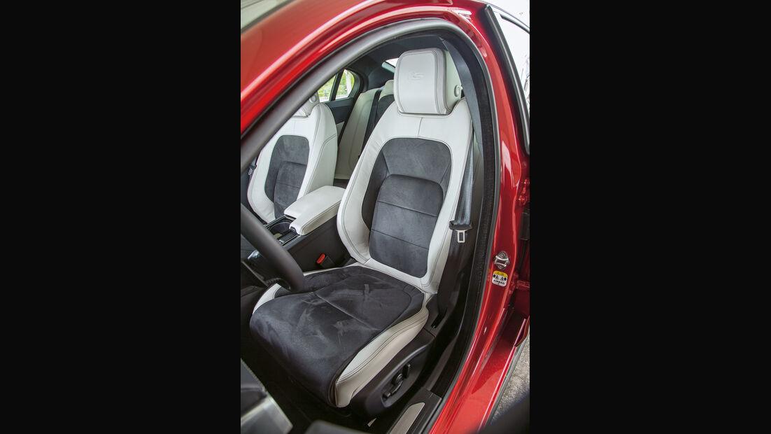 Jaguar XE S, Fahrersitz