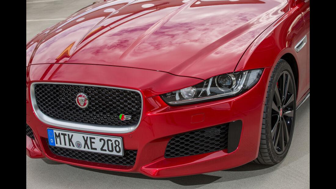 Jaguar XE S, Frontscheinwerfer