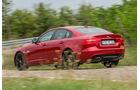 Jaguar XE S, Heckansicht