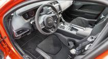 Jaguar XE SV Project 8, Interieur
