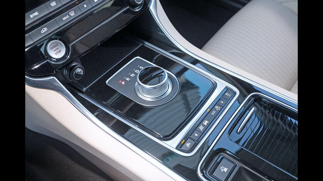 Jaguar XF 20d, Bedienelemente
