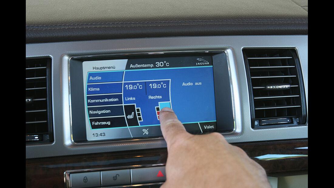 Jaguar XF 3.0 Diesel, Navigationsgerät