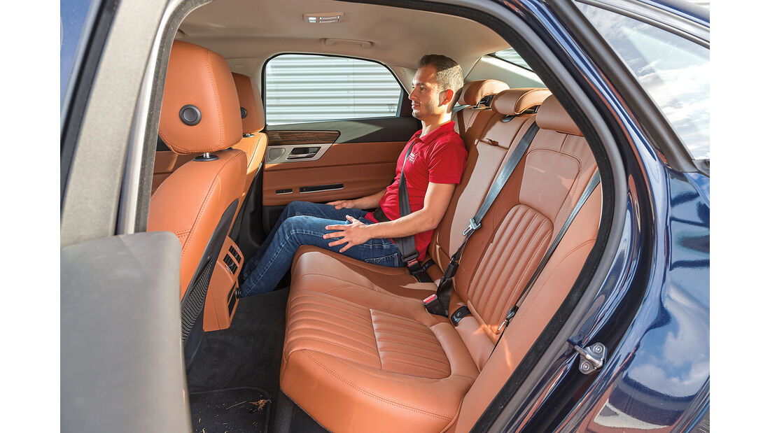 Jaguar XF 30d Portfolio, Fondsitz