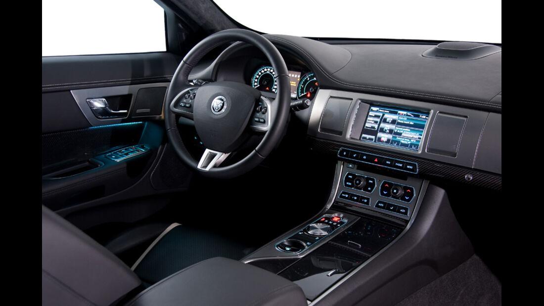 Jaguar XF, Cockpit, Lenkrad