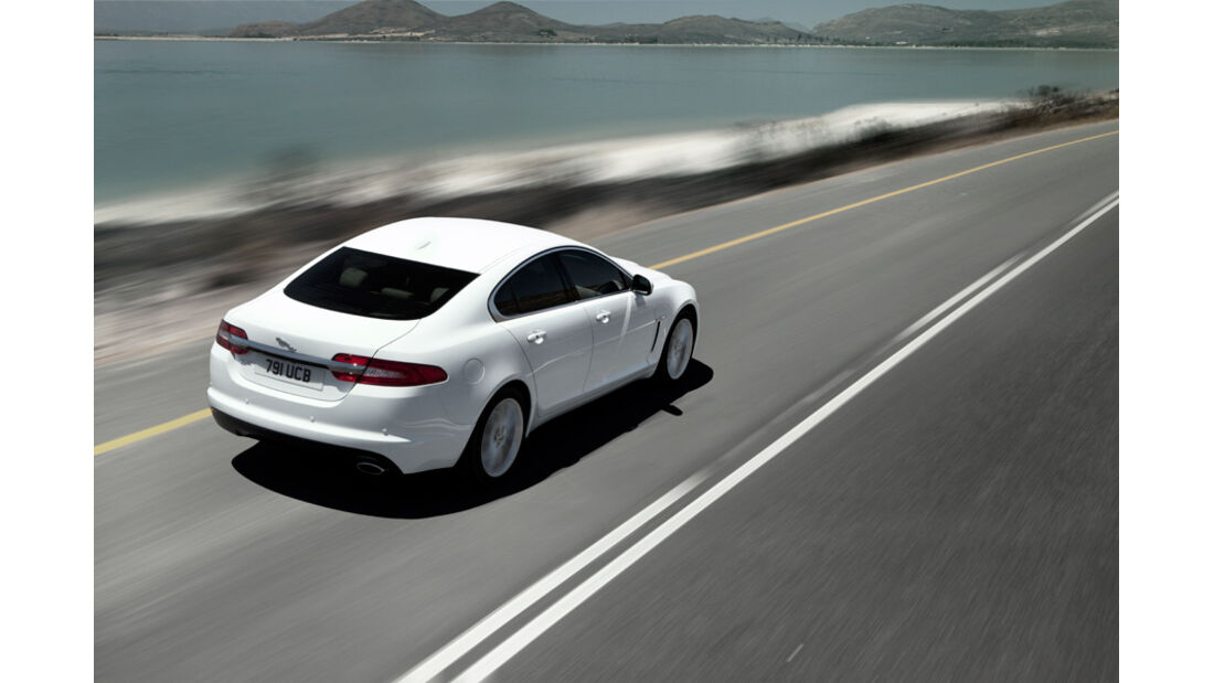 Jaguar XF, Heck, Seitenlinie
