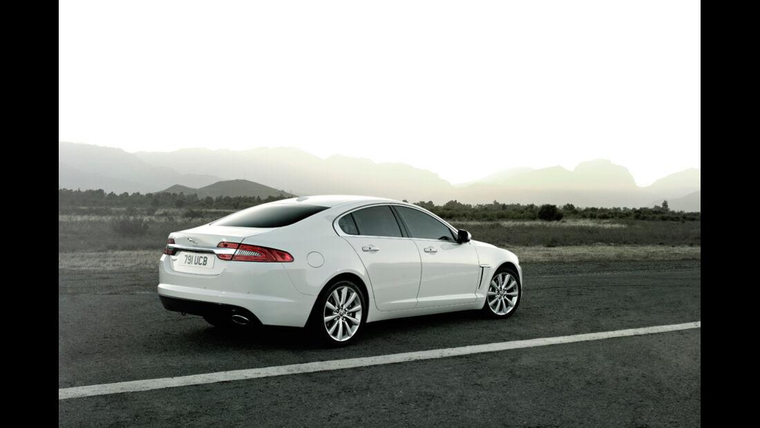 Jaguar XF, Seitenansicht