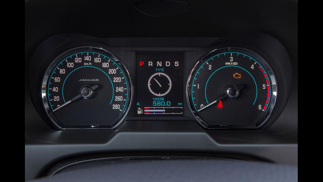 Jaguar XF Sportbrake 2.2 D, Rundinstrumente