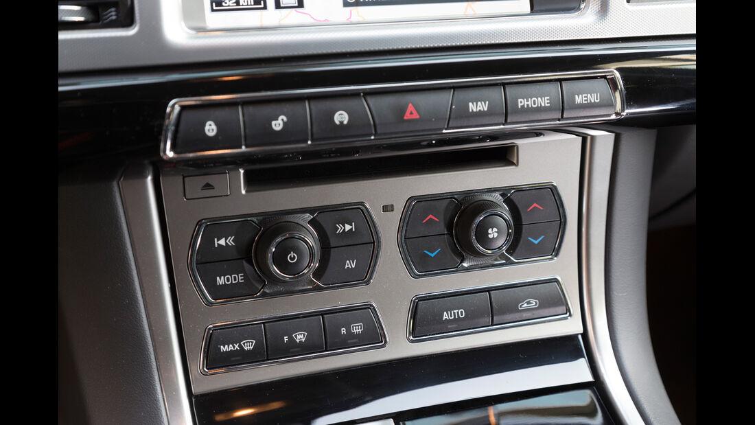 Jaguar XF Sportbrake 2.2D, Mittelkonsole, Bedienelemente