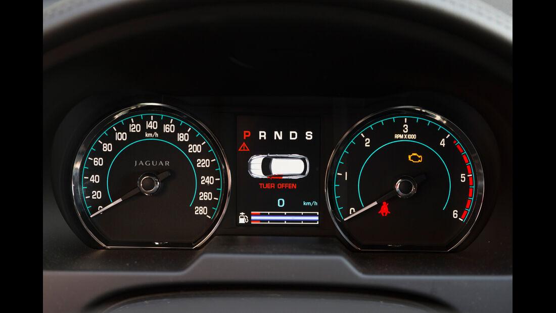 Jaguar XF Sportbrake 2.2D, Rundinstrumente