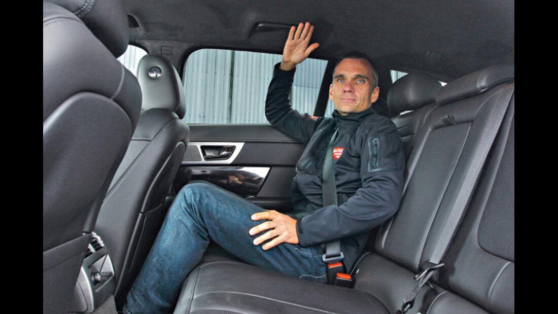 Jaguar XF-Sportbrake, Rücksitz, Beinfreiheit