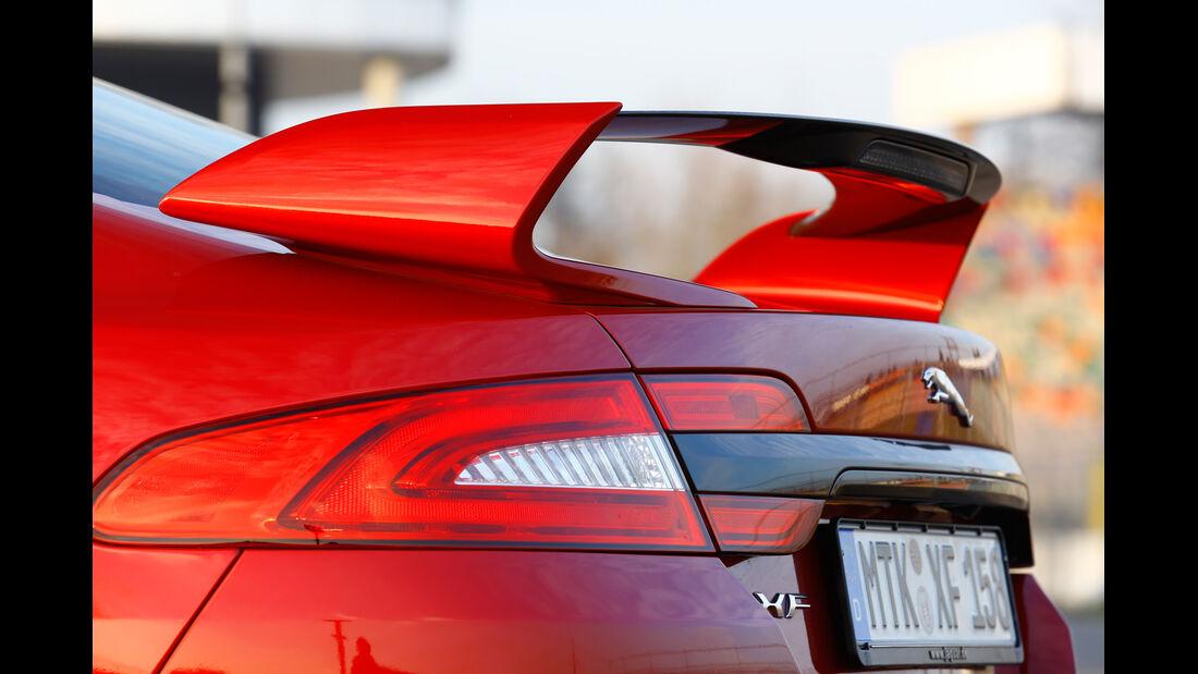 Jaguar XFR-S, Heckspoiler