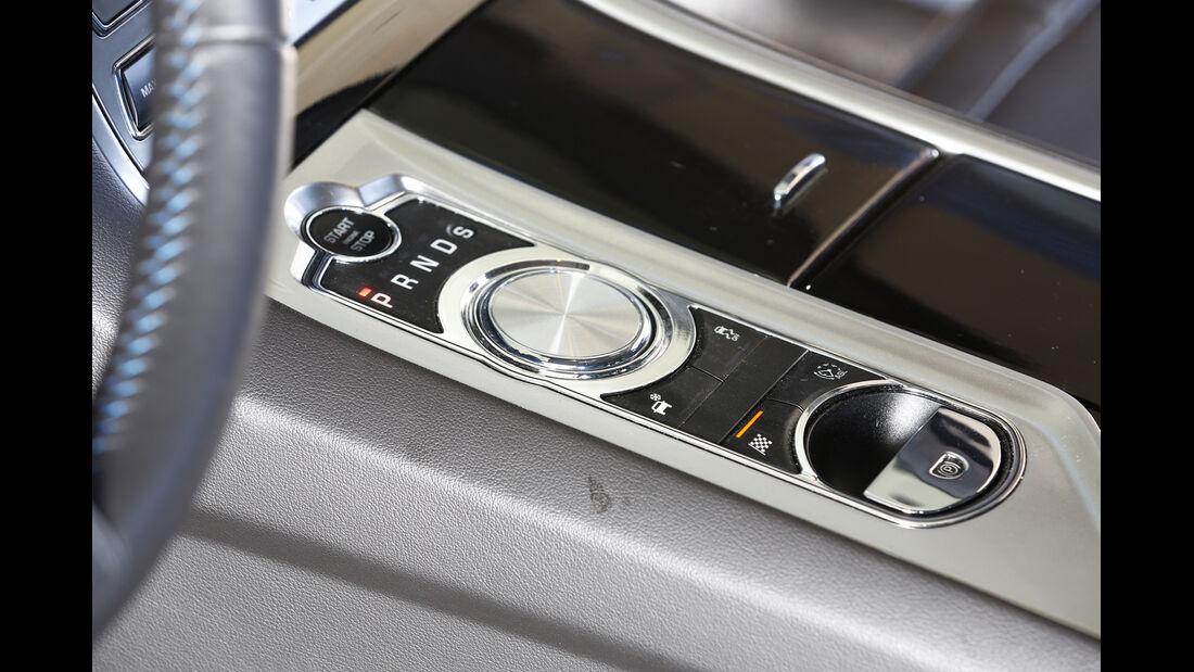 Jaguar XFR-S Sportbrake, Mittelkonsole