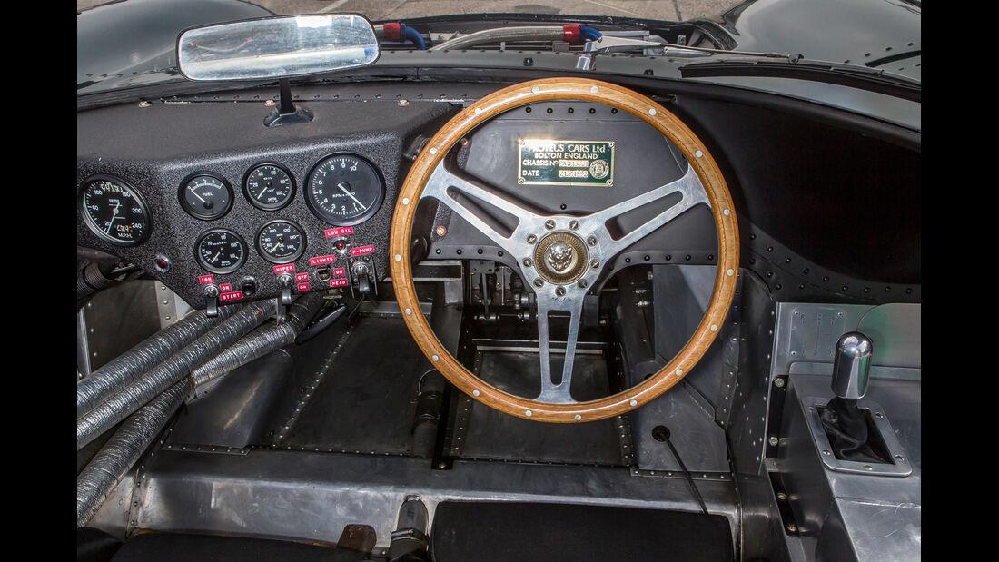 Jaguar XJ 13, Cockpit
