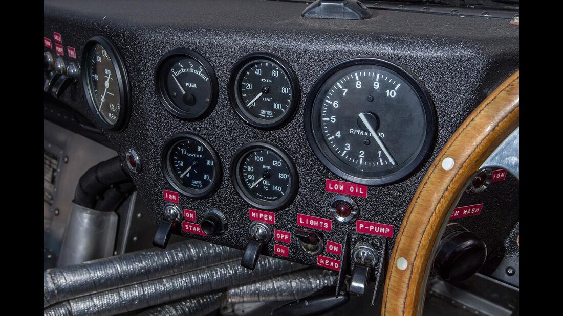 Jaguar XJ 13, Rundinstrumente