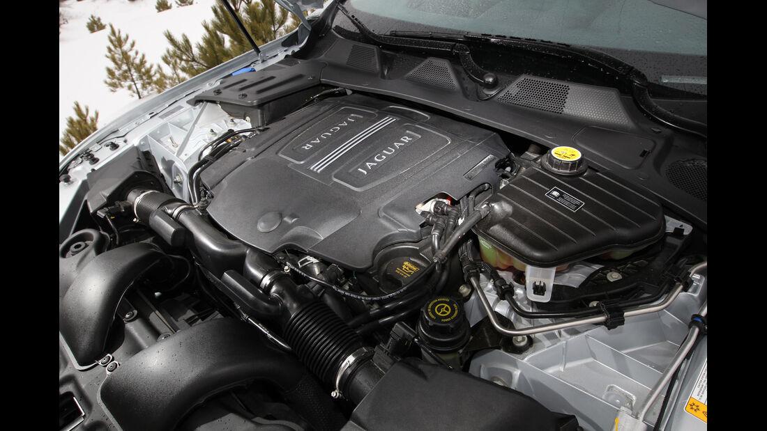 Jaguar XJ 3.0 AWD, Motor