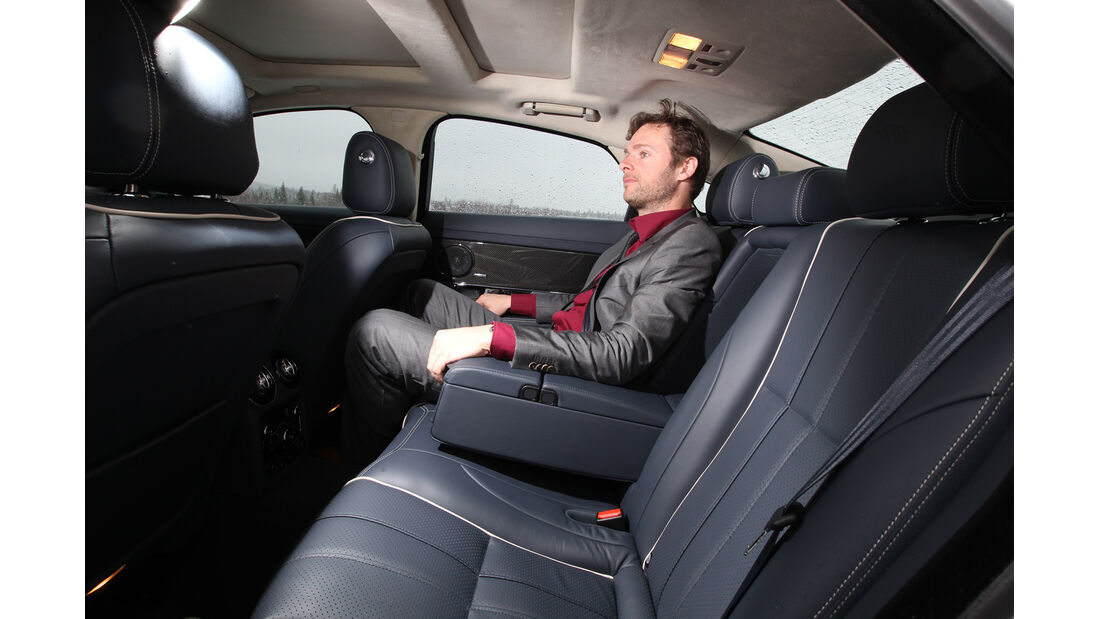Jaguar XJ 3.0 AWD, Rücksitz, Armlehne