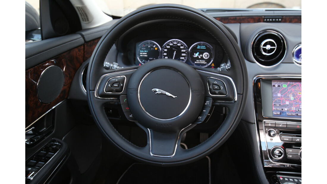 Jaguar XJ 3.0 D, Cockpit