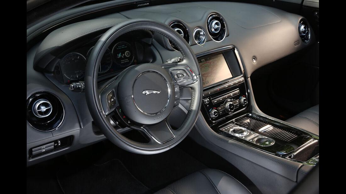 Jaguar XJ 3.0 D LWB, Cockpit