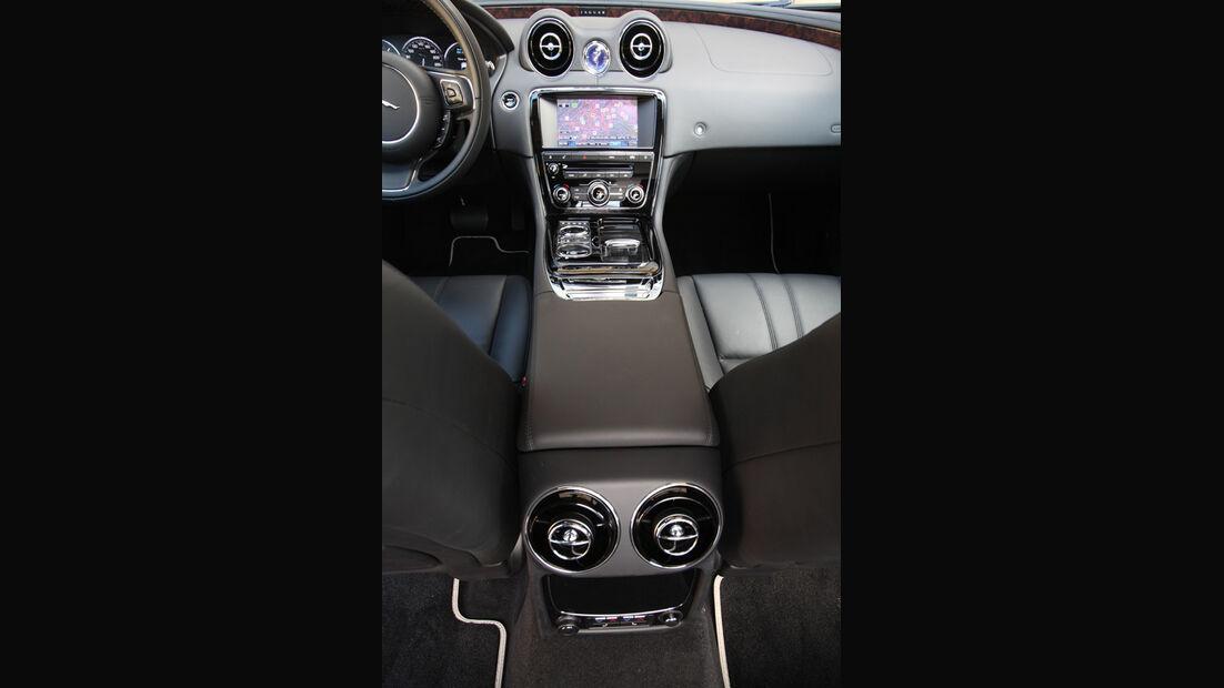 Jaguar XJ 3.0 D, Mittelkonsole