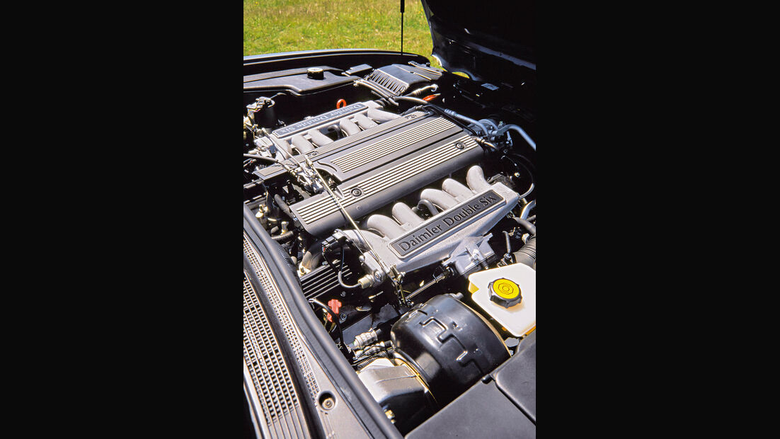 Jaguar XJ 300, Motor