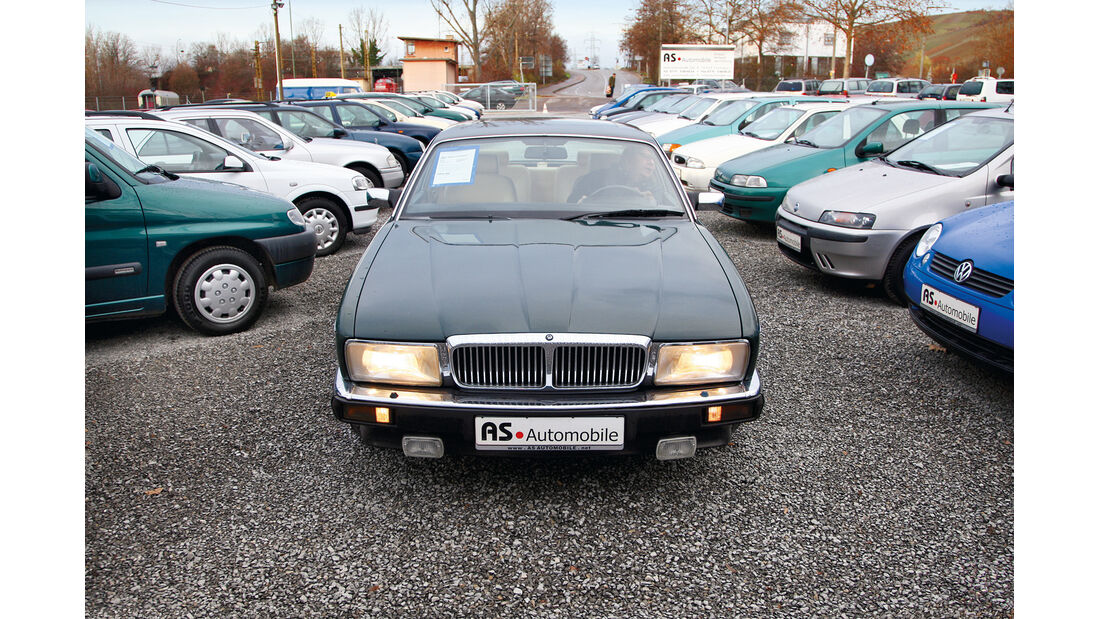 Jaguar XJ 40, Front