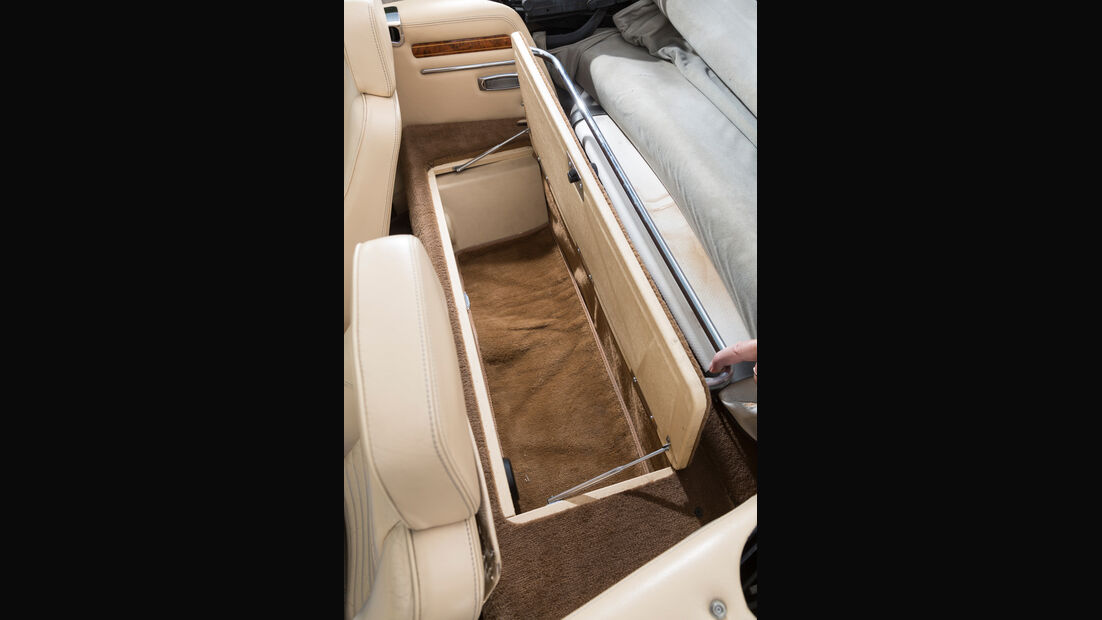 Jaguar XJ-S V12 Convertible, Ablagefach