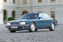 Jaguar XJ40