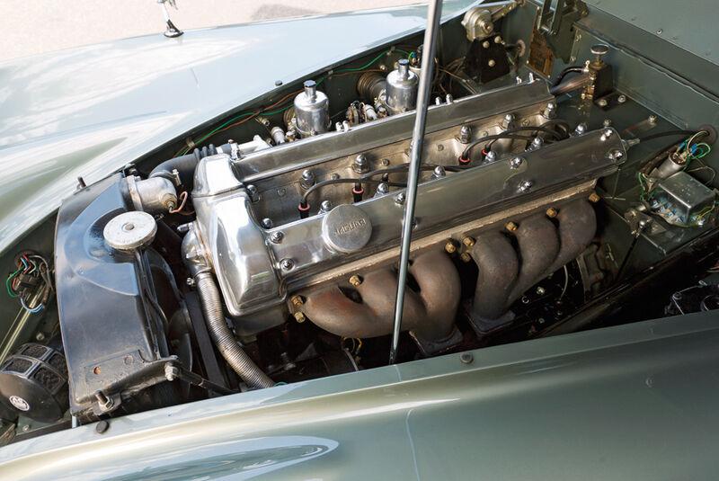 Jaguar XK 120 Fixed Head Coupé (FHC), Baujahr 1951, Motor