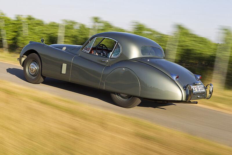 Jaguar XK 120 Fixed Head Coupé (FHC), Baujahr 1951, Scheinwerfer