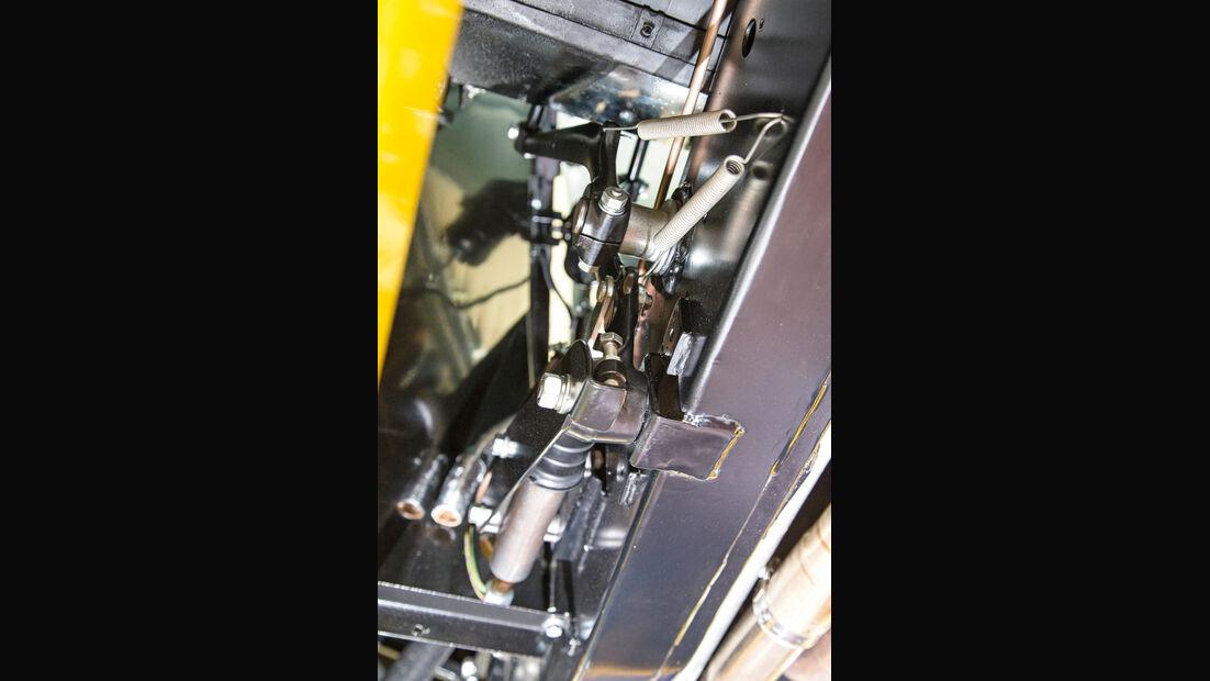 Jaguar XK 140, Pedalanlage
