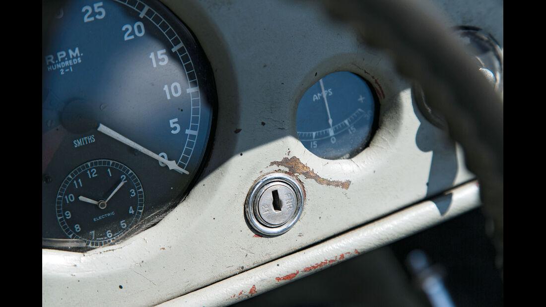 Jaguar XK 140, Rundinstrumente