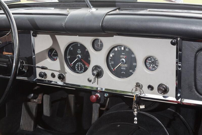 Jaguar XK 150 S OTS, Rundinstrumente