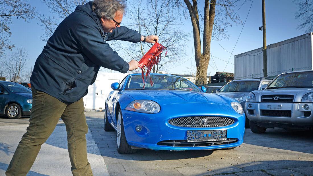 Jaguar XK 4.2 V8, Cabrios vom Kiesplatz