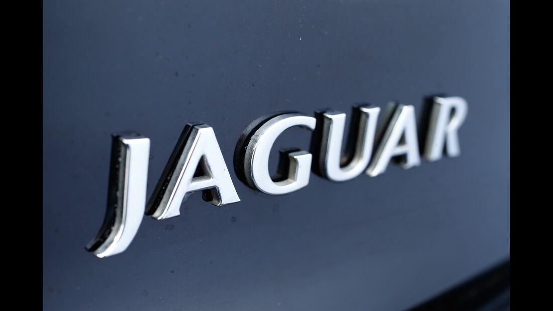 Jaguar XK8, Typenbezeichnung