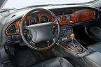 Jaguar XK8 (X100), Cockpit