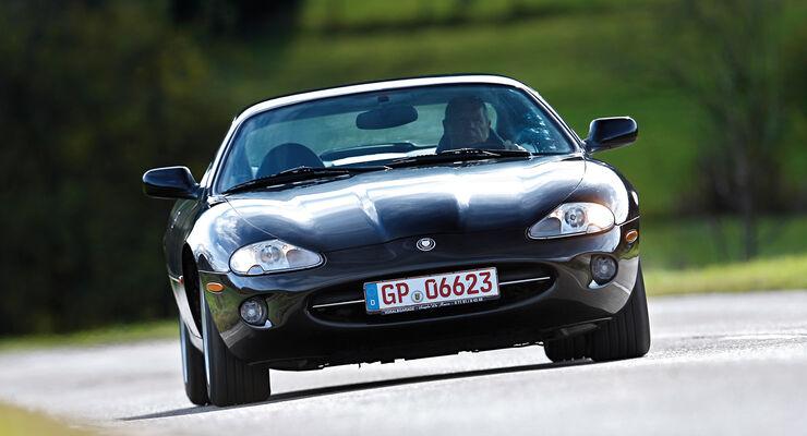 Jaguar XK8 (X100), Frontansicht
