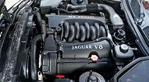 Jaguar XK8 (X100), Motor