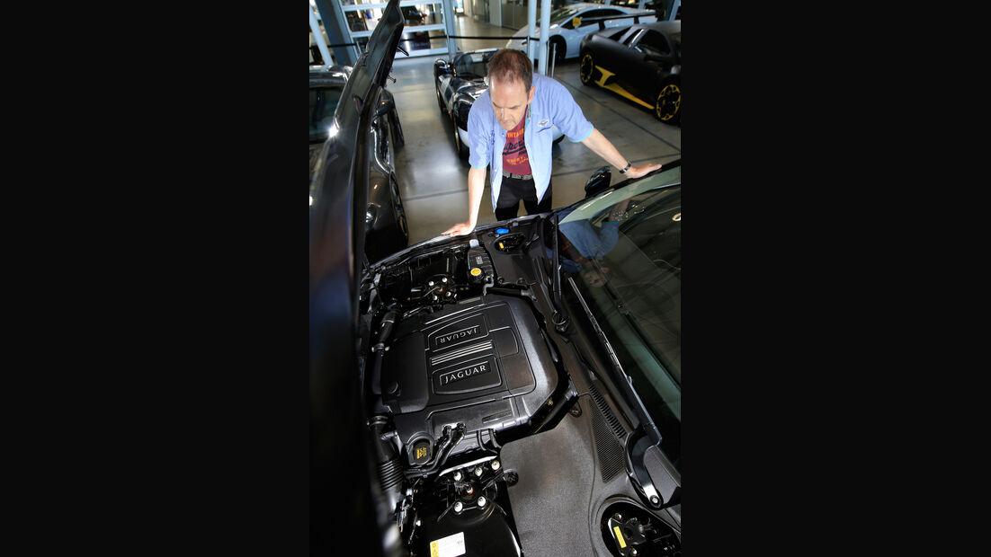 Jaguar XKR, Motor