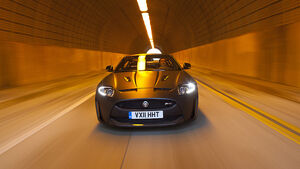 Jaguar XKR-S Cabrio, Front
