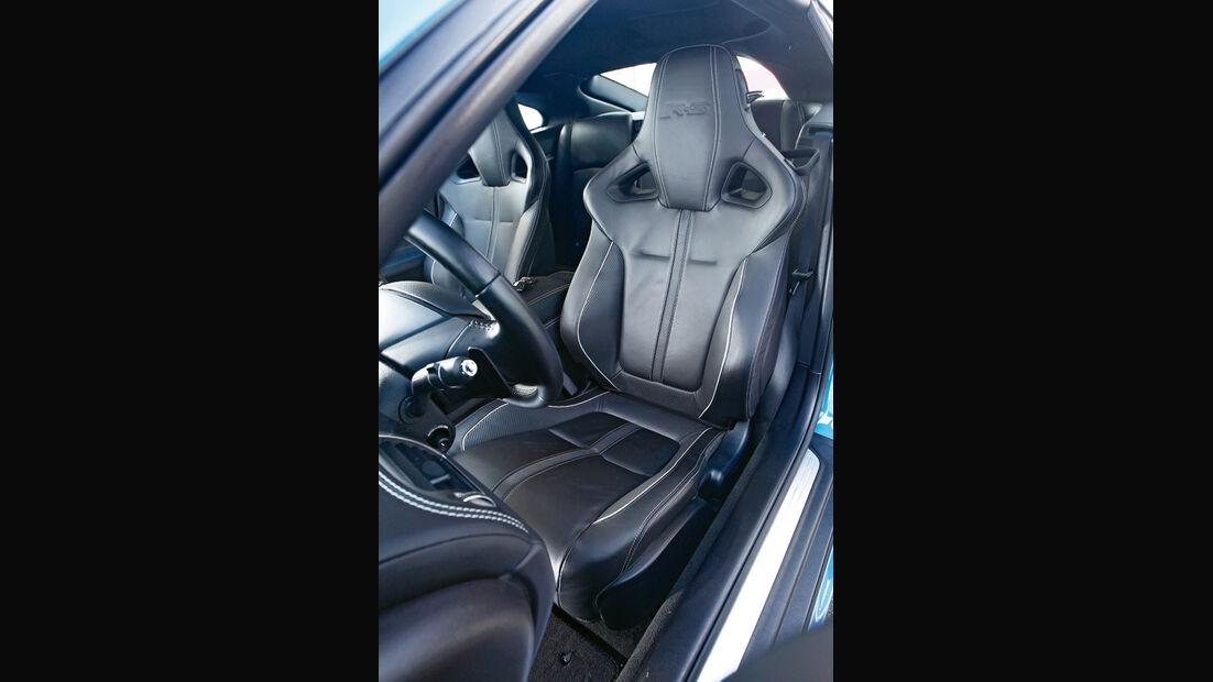 Jaguar XKR-S, Fahrersitz