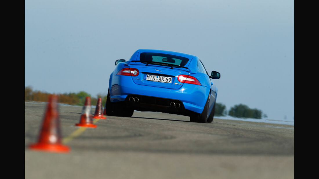 Jaguar XKR-S, Heck, Slalom