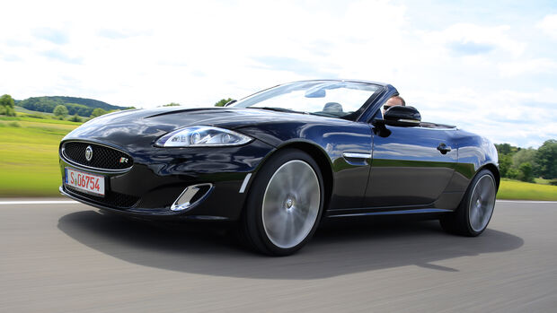 Jaguar XKR, Seitenansicht