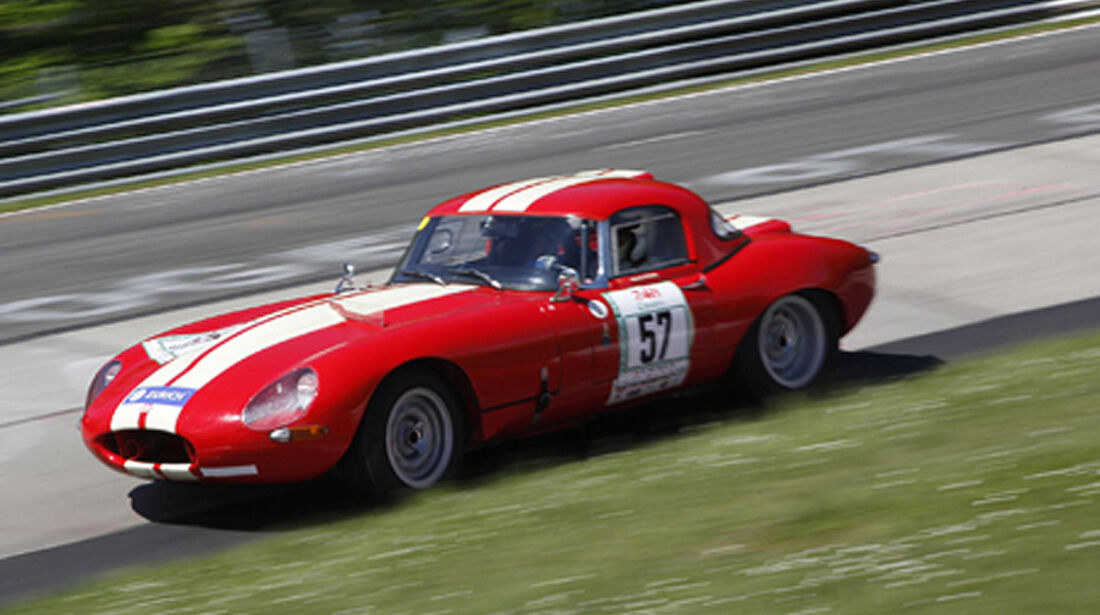 Jaguar auf der Rennstrecke