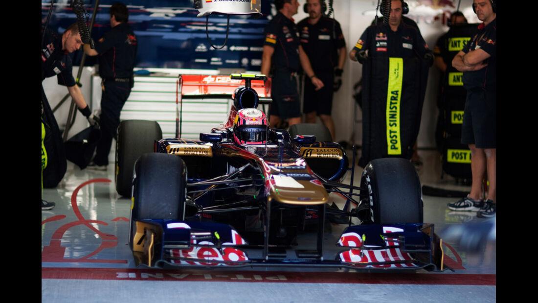 Jaime Alguersuari GP Abu Dhabi 2011