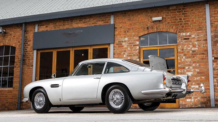 Aston Martin Db5 1965 James Bond Auto Für Fast 6 Mio Euro Versteigert Auto Motor Und Sport