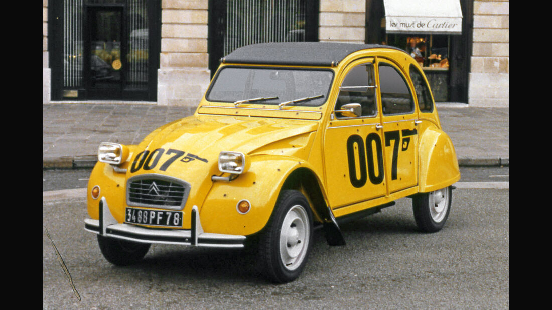 James-Bond-Stunts, Impression, Historie, Bond-Cars