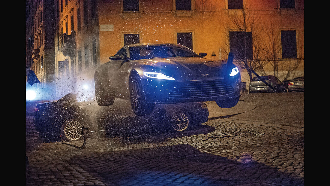 James-Bond-Stunts, Impression, Spectre, Bond-Cars