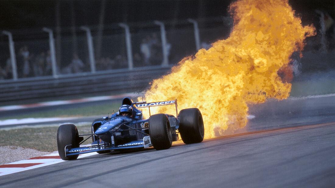 Jarno Trulli - Prost Honda in Flammen