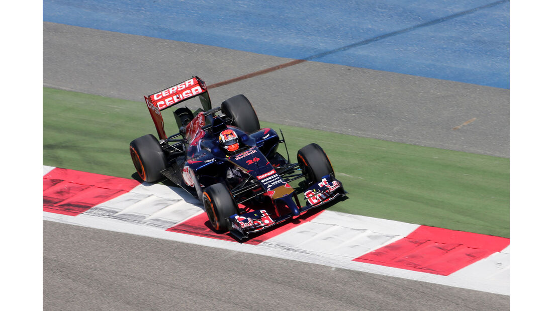 Jean-Eric Vergne - Toro Rosso - Bahrain - Formel 1 Test - 2014