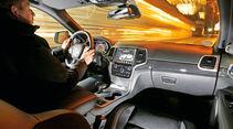 Jeep Grand Cherokee SRT, Cockpit, Fahrersicht